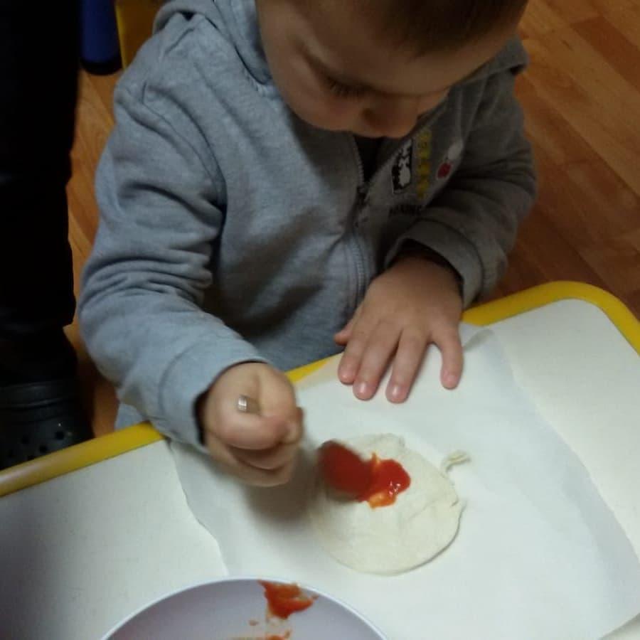 Prepariamo la pizza - laboratori didattici scuola maria montessori