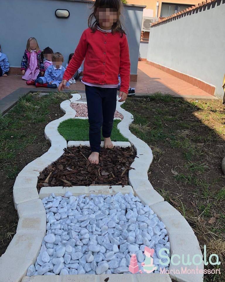 Scuola Maria Montessori - percorso sensoriale